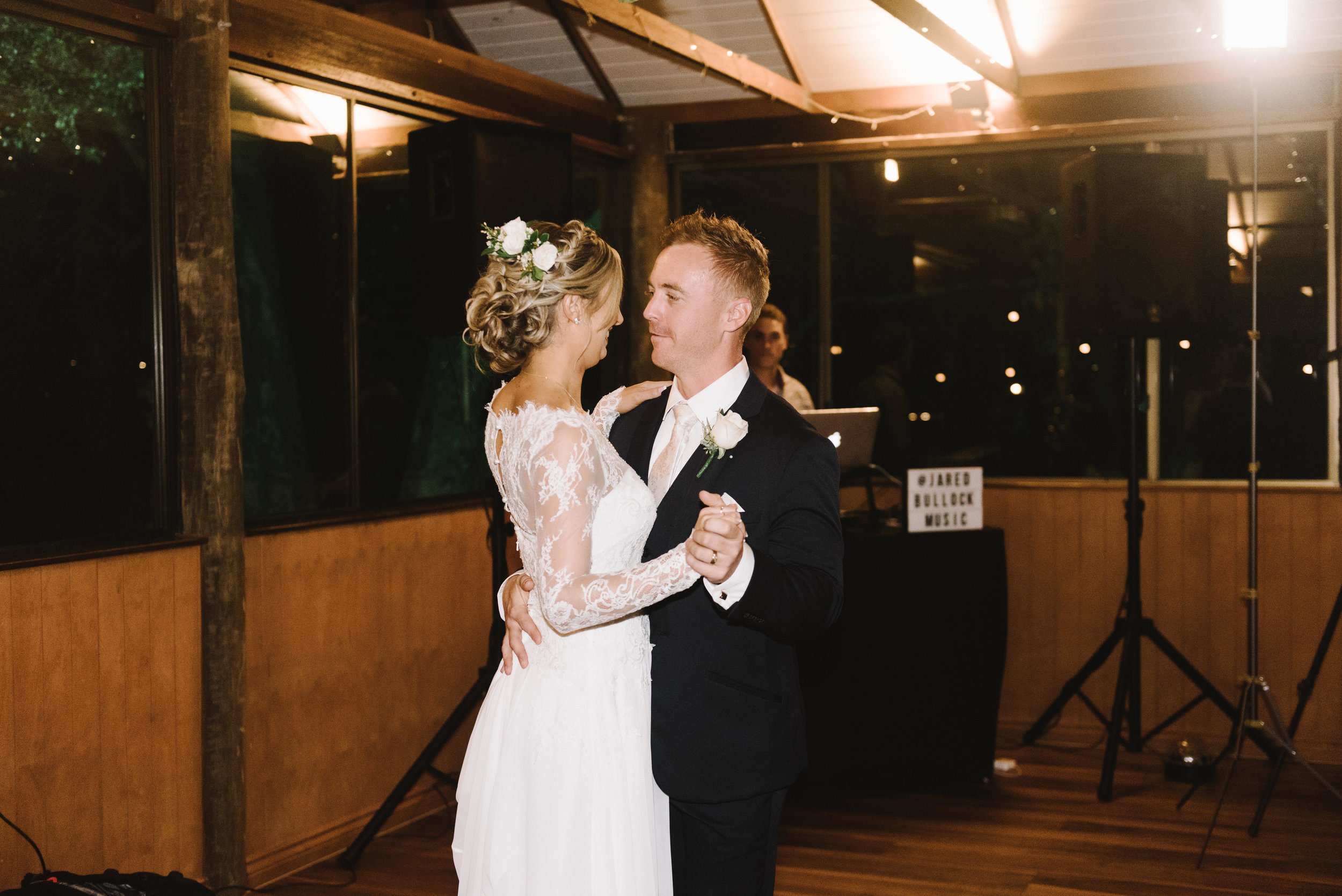 brisbane-gold-coast-sunshine-coast-romantic-wedding-photographer-98.jpg