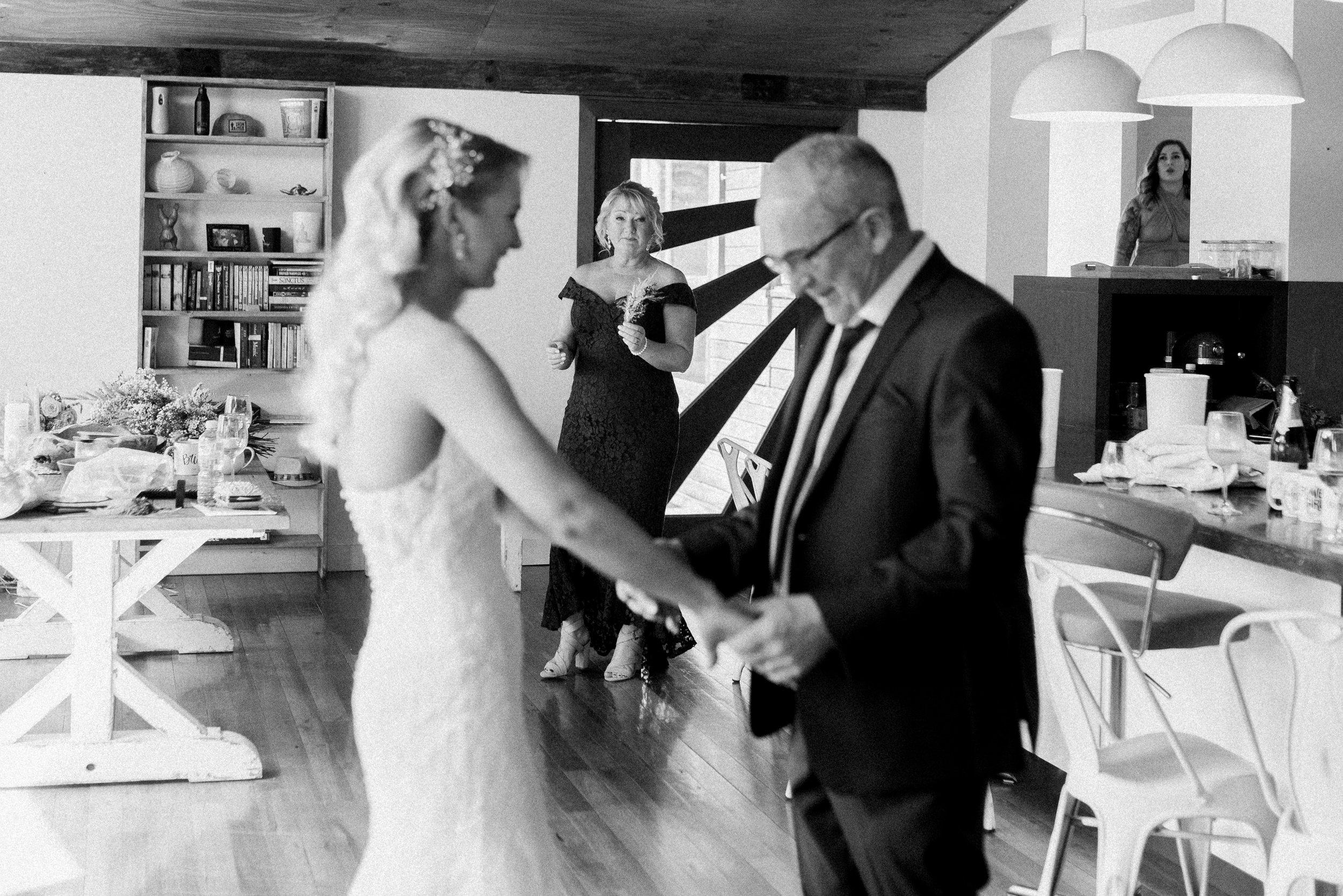 Kooroomba-Vineyard-Lavender-Farm-Wedding-Fine-Art-Lauren-Olivia-14.jpg