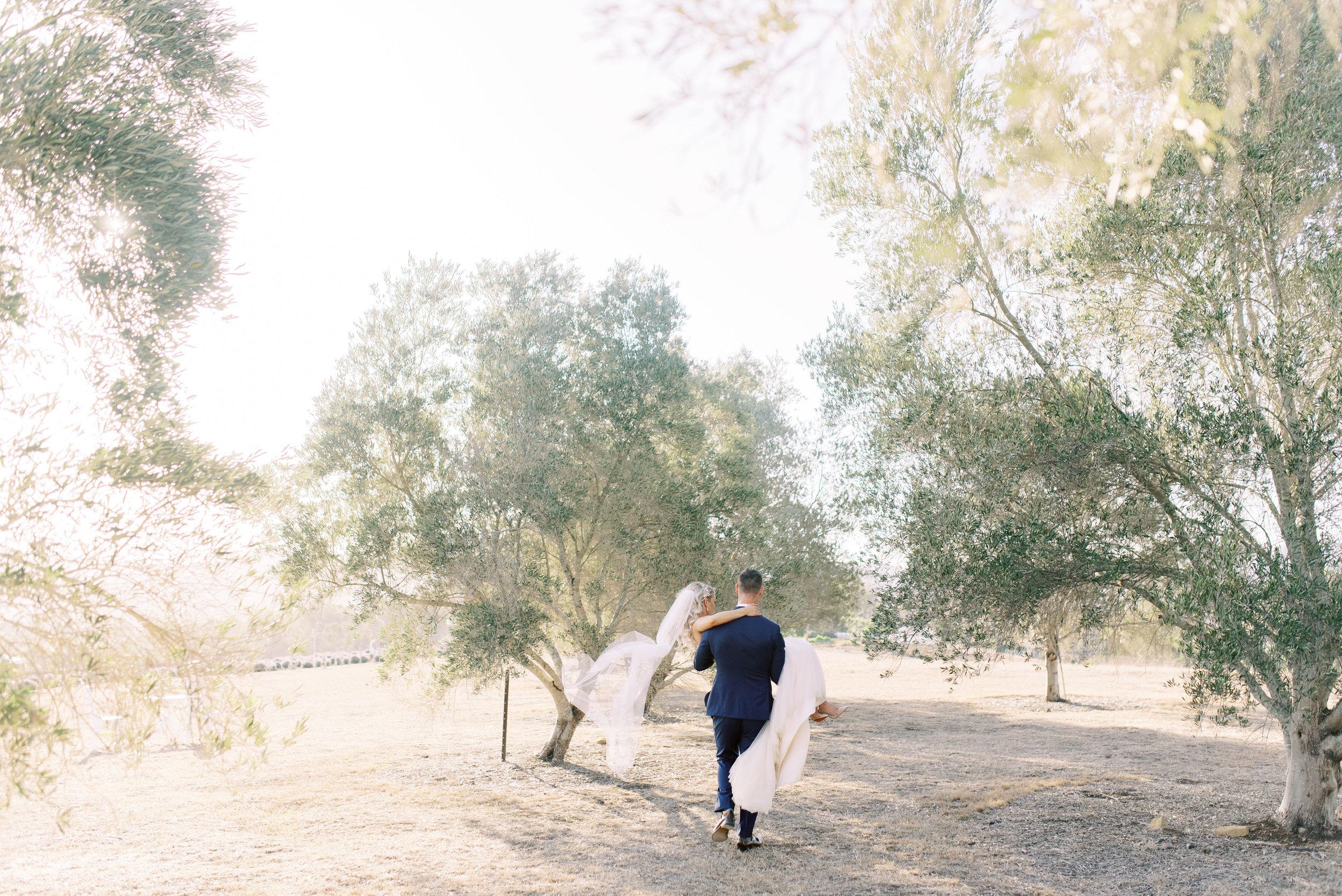 Kooroomba-Vineyard-Lavender-Farm-Wedding-Fine-Art-Lauren-Olivia-60.jpg