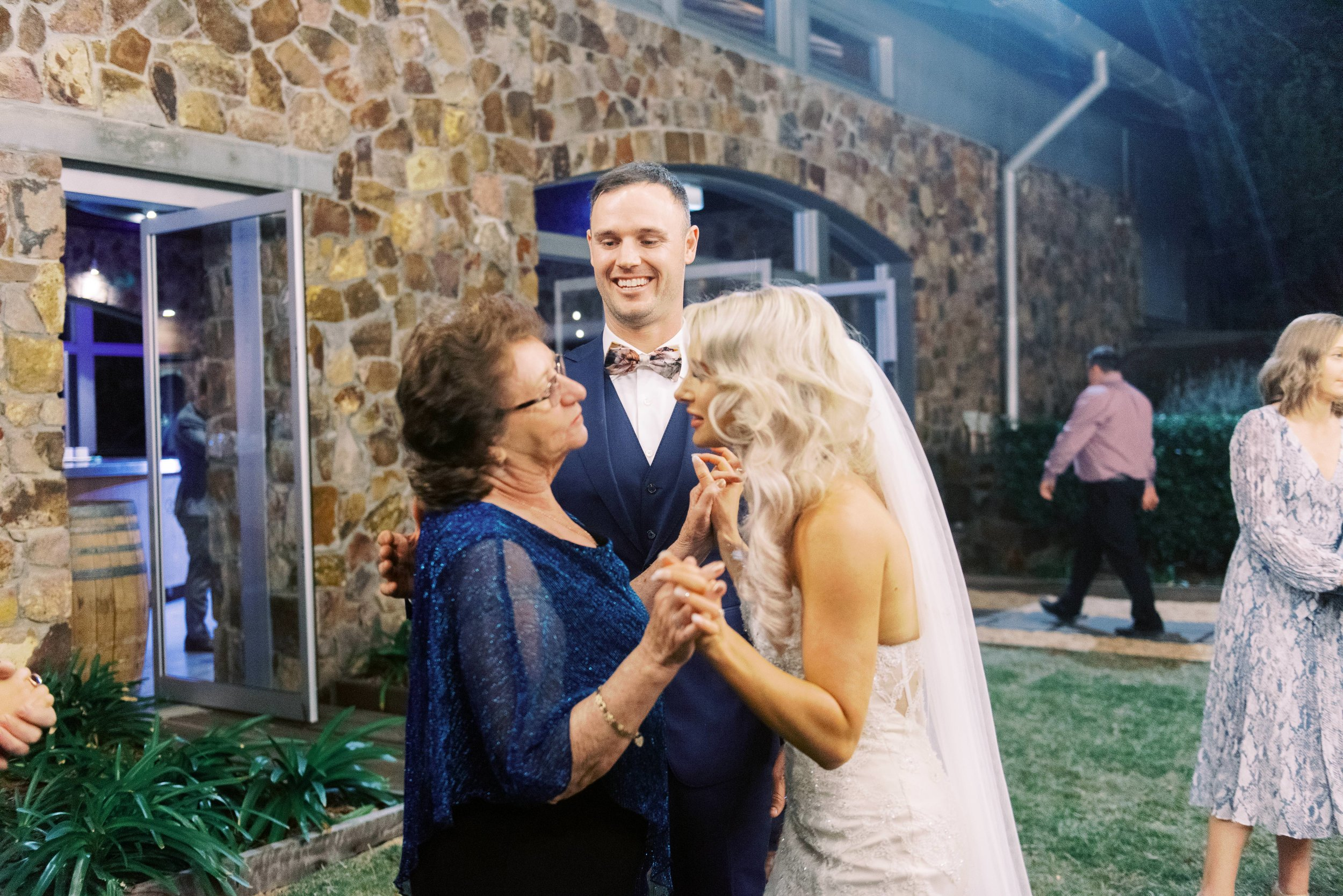 Kooroomba-Vineyard-Lavender-Farm-Wedding-Fine-Art-Lauren-Olivia-88.jpg