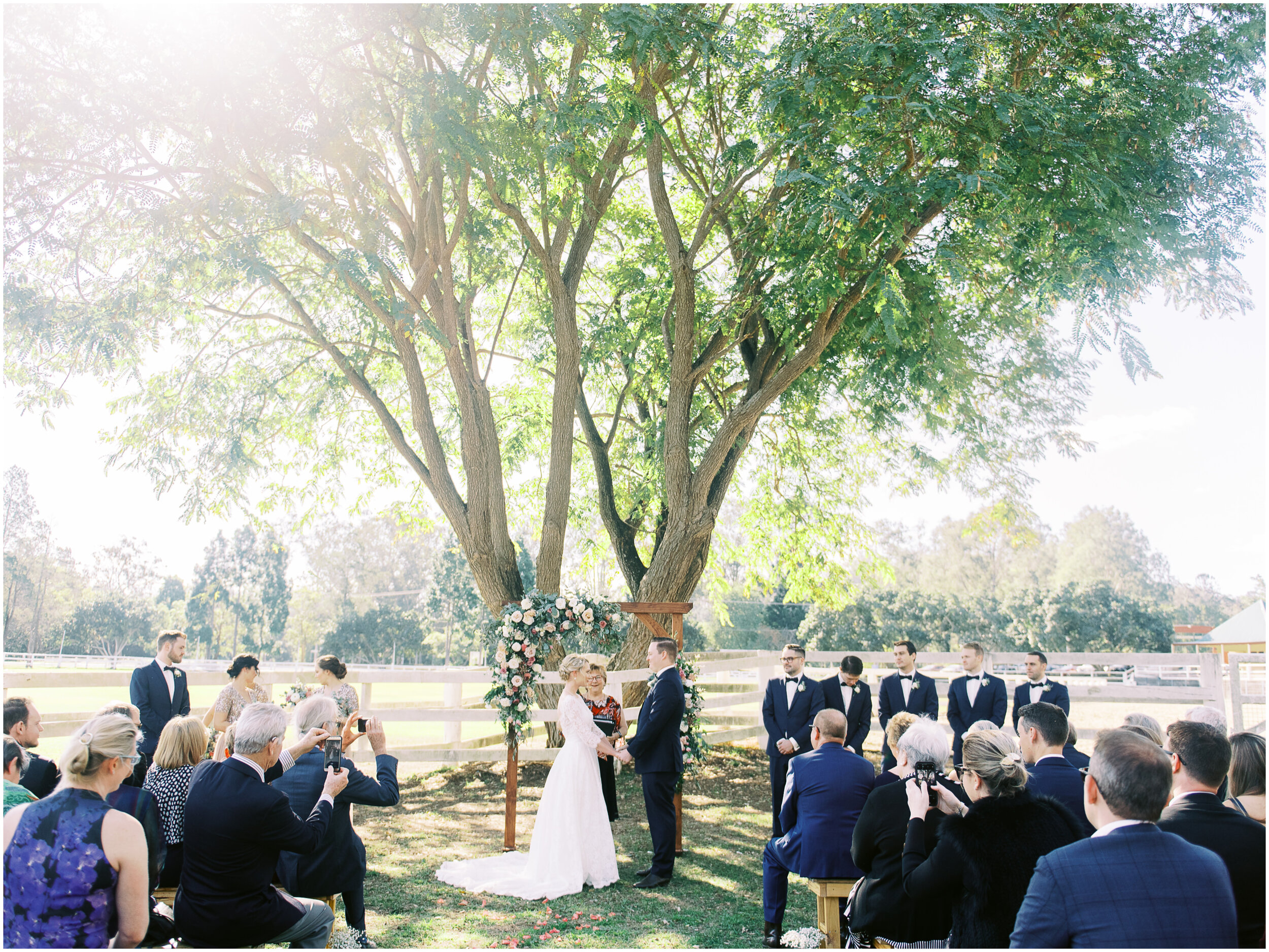 brisbane-film-wedding-photographer-lauren-olivia-luxury-wedding-australia-01-06.jpg
