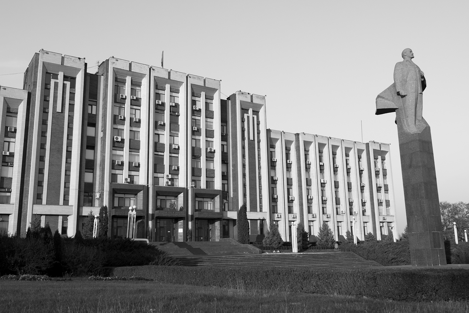 Statue of Lenin standing in front of the Transnistria parliament building in the center of Tiraspol