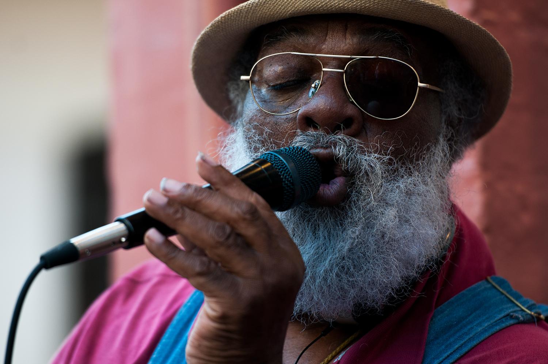 Grandpa Elliott singing on Royal Street.