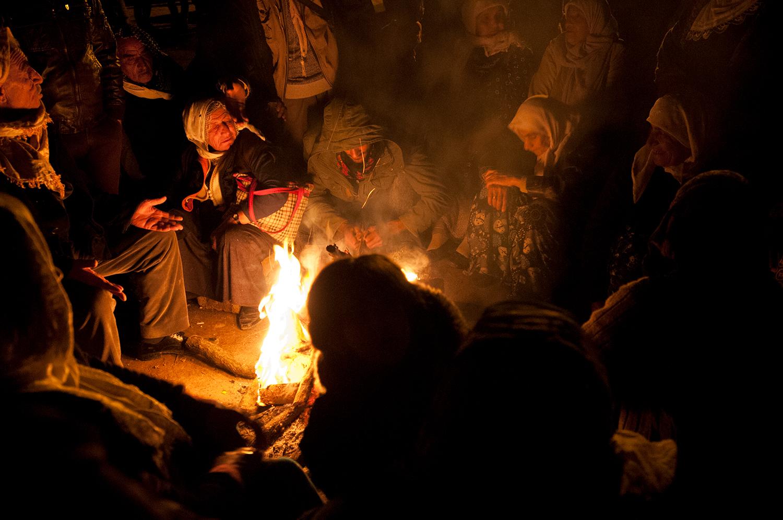 Kurds keeping watch in Çaykara in support of thier relatives fighting Daesh in Kobane