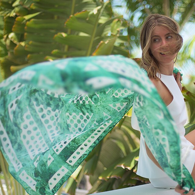 • emerald scarf •