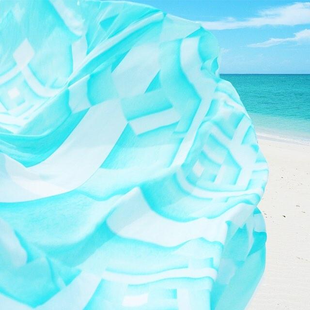 • blending in - the oceanic scarf •