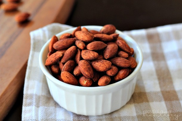 Cinnamon Toasted Almonds , a superfood healthy snack.  Image reprinted with permission fromwww.joyfulhealthyeats.com & www.healthyaperture.com