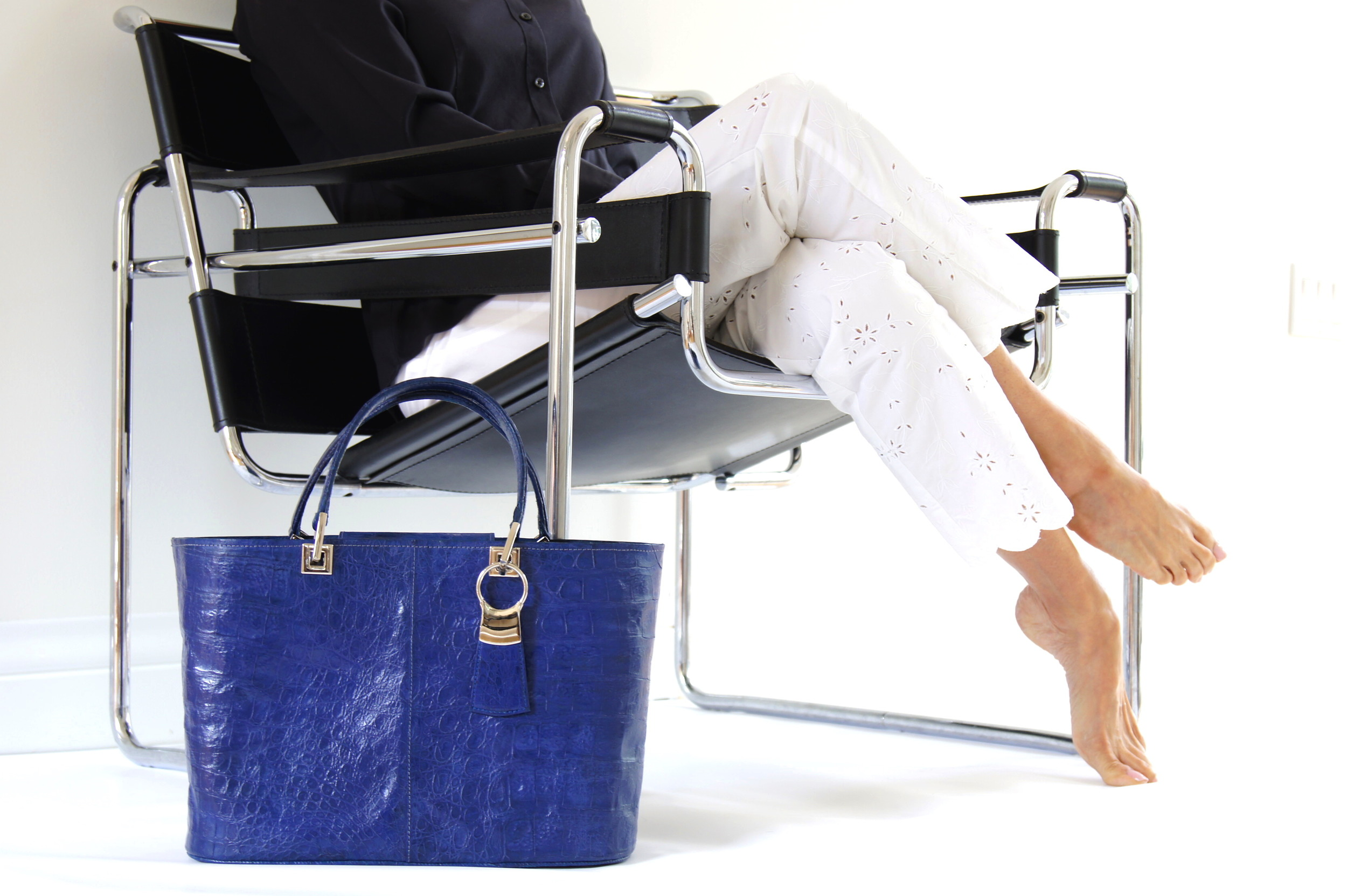 Blk Chair - Blue Tote.JPG