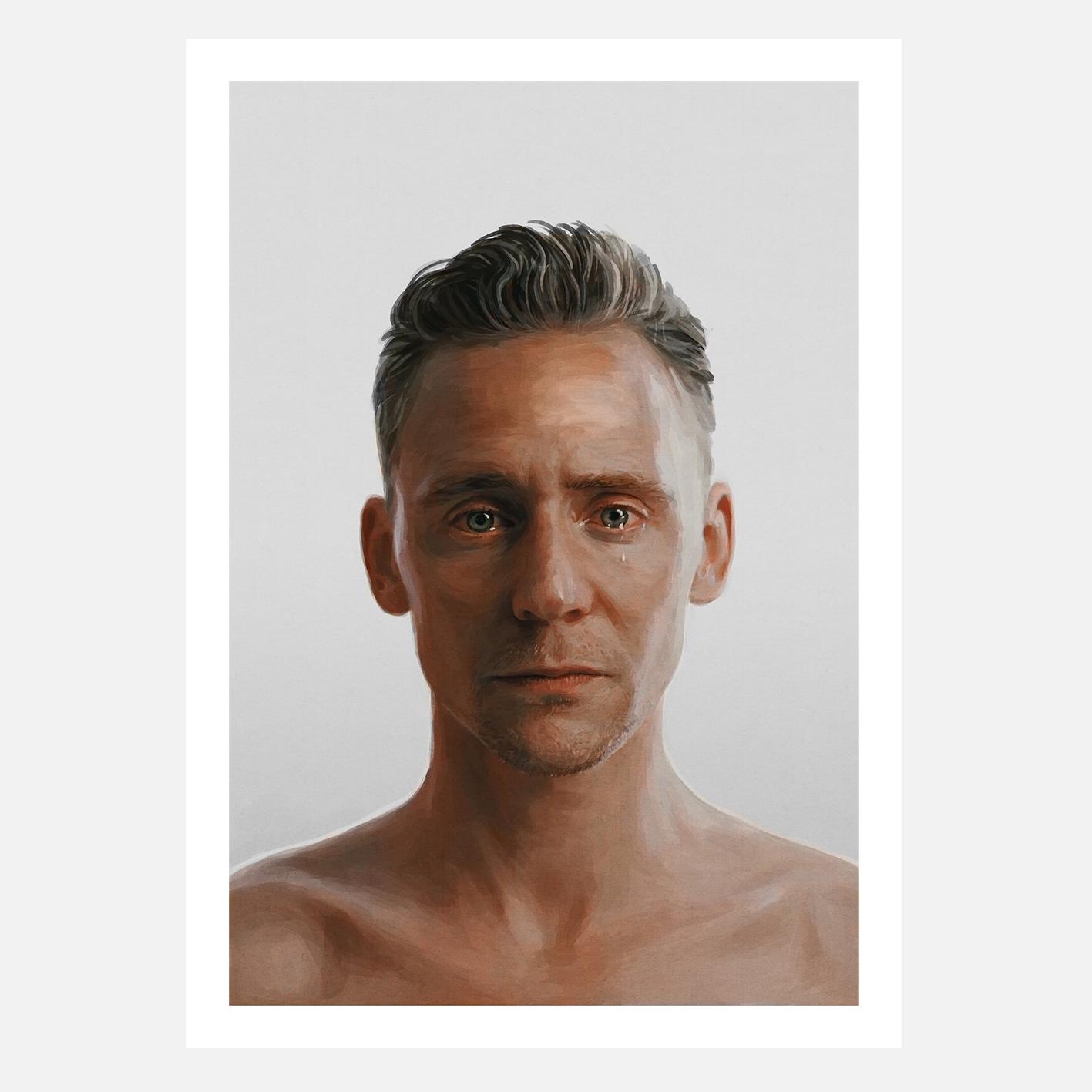 Tom Hiddleston - web (sRGB).jpg