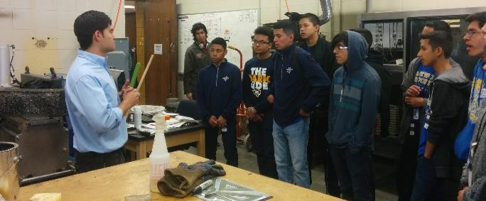 Figure 3: Students of El Paso high school in a Lab tour
