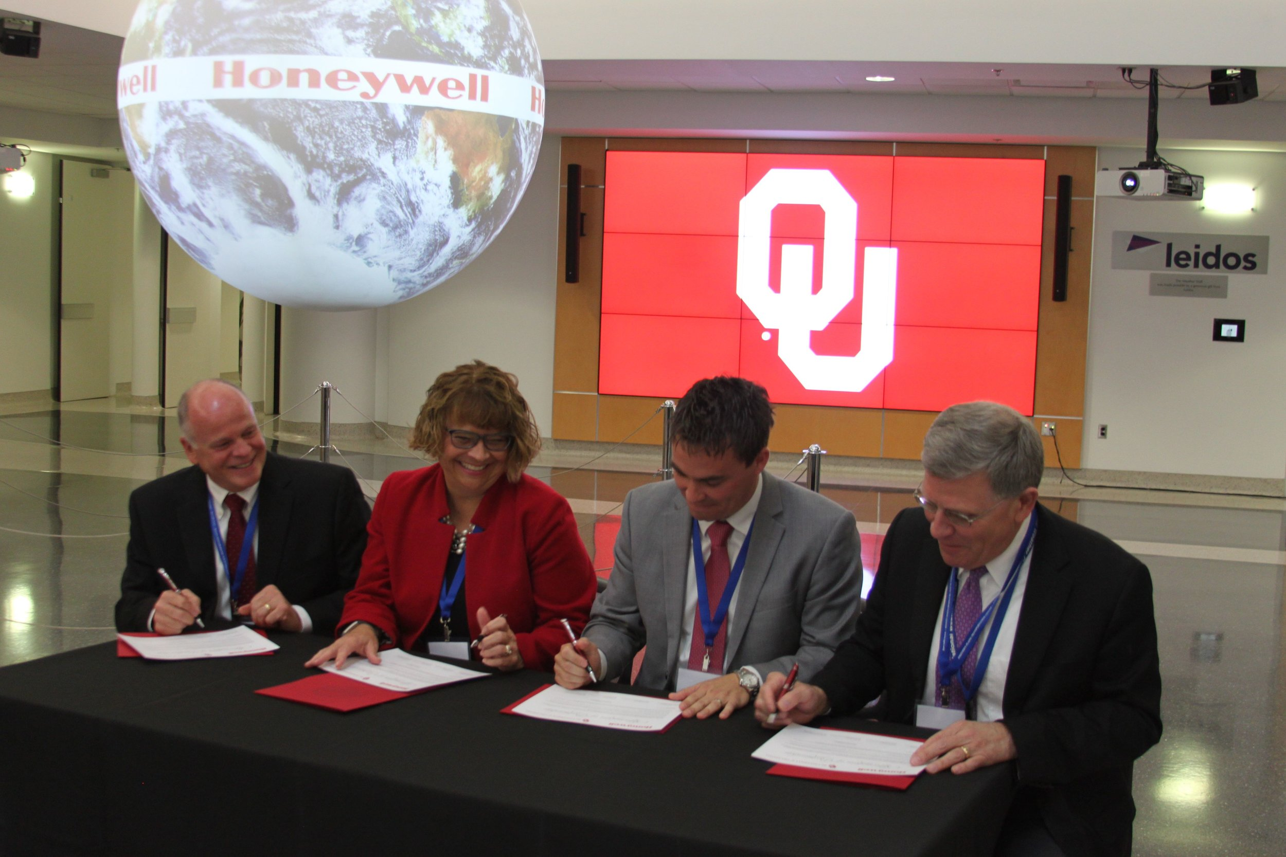 The University of Oklahoma and Honeywell sign a master agreement for research, October 4, 2017.  Southern Plains personnel assisted with creating the event.