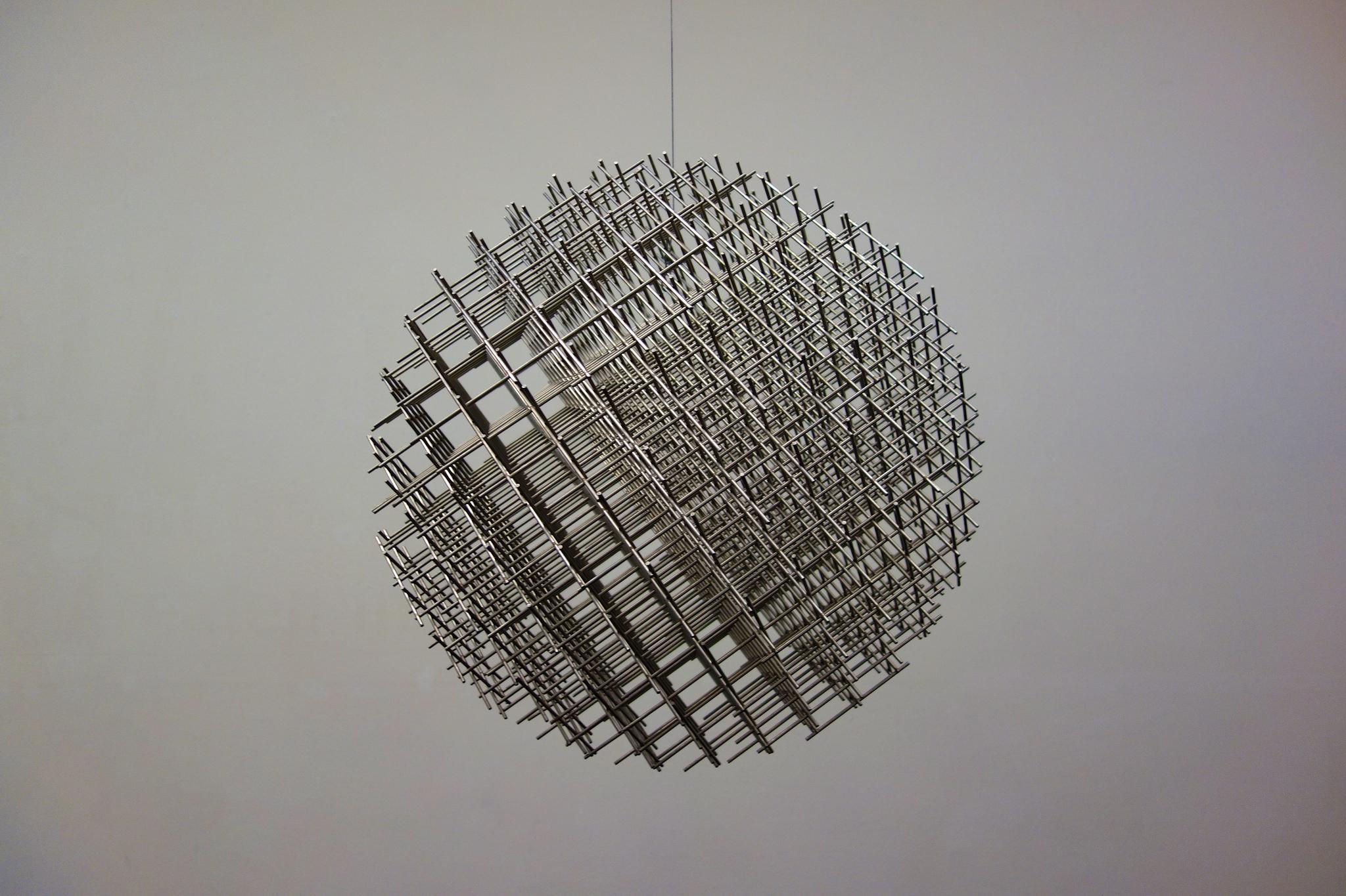 Sphère-trame by François Morellet