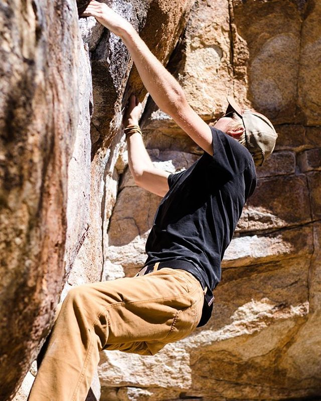 Spidey-Cam @artifact_sun #joshuatree #bouldering