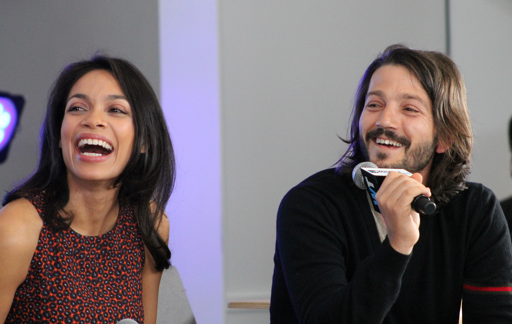 Rosario Dawson and Diego Luna