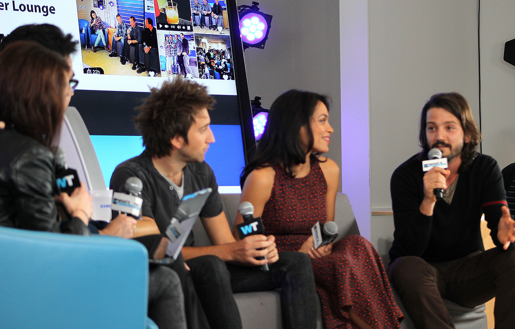 Gavin Free, Rosario Dawson, and Diego Luna at the Samsung Bloggers Lounge