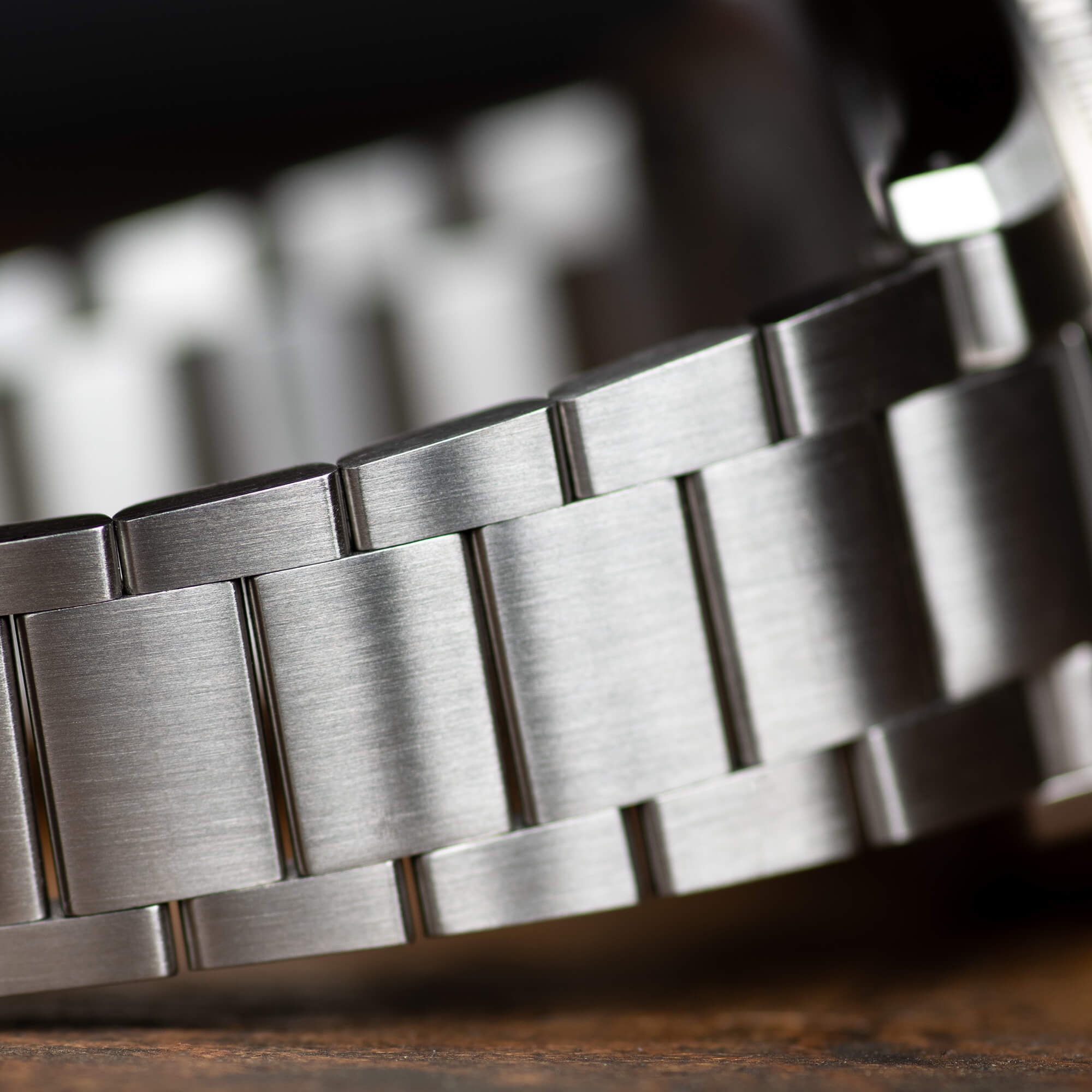 STEEL Bracelet - After 18 months of research, prototyping, and testing we're proud to introduce the first Oak & Oscar bracelet. Our stainless steel bracelet sits comfortably on the wrist with a fully articulated link design that gradually tapers from the 20mm solid end links to the 16mm buckle. Ready to tackle the elements, the Oak & Oscar bracelet is built for comfort and durability.