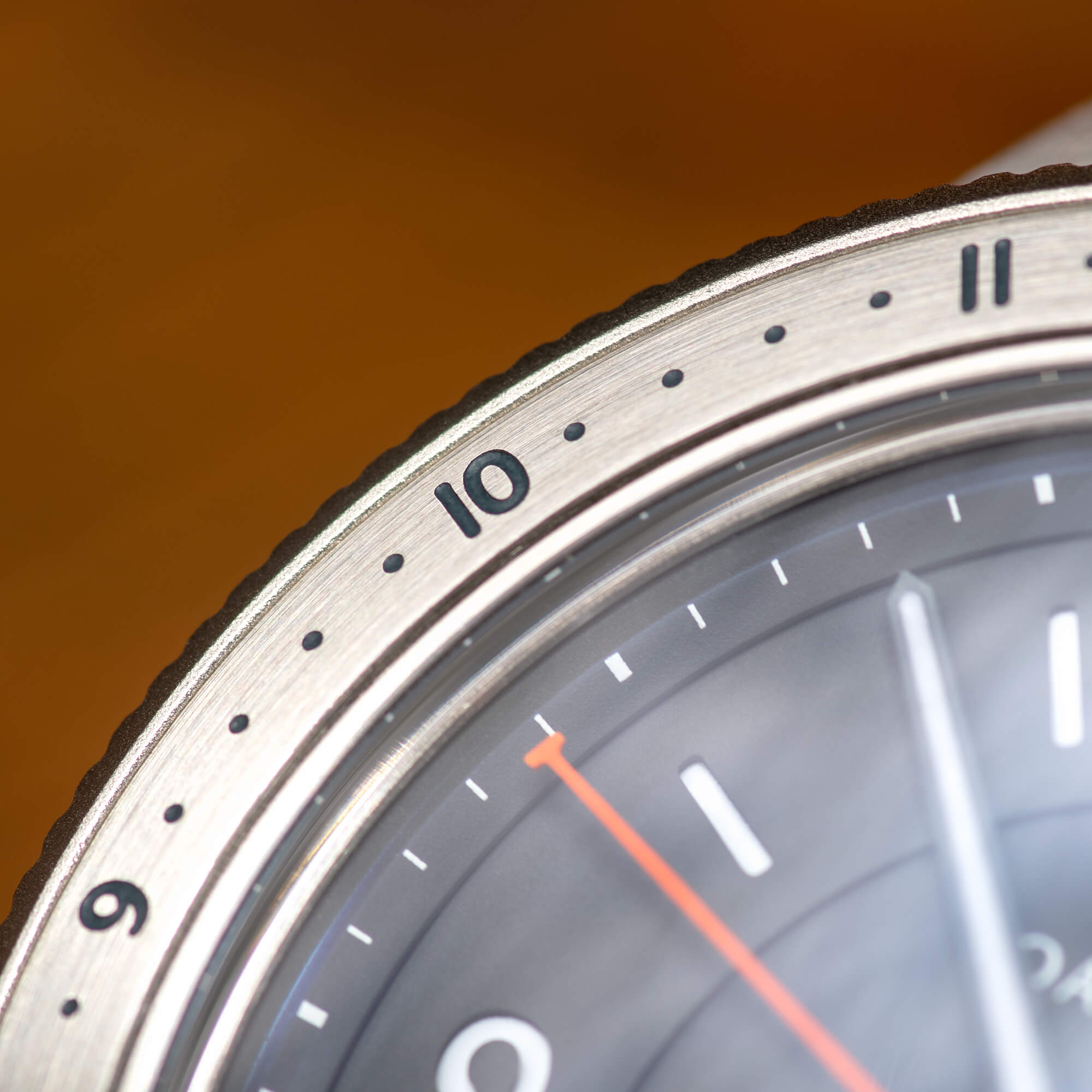 12-Hour Bezel - Easily keep track of a second time zone, elapsed time, or count down minutes with a quick twist of the bi-directional 12-hour external bezel. One of the most useful bezel designs out there and the perfect tool for everyday life.