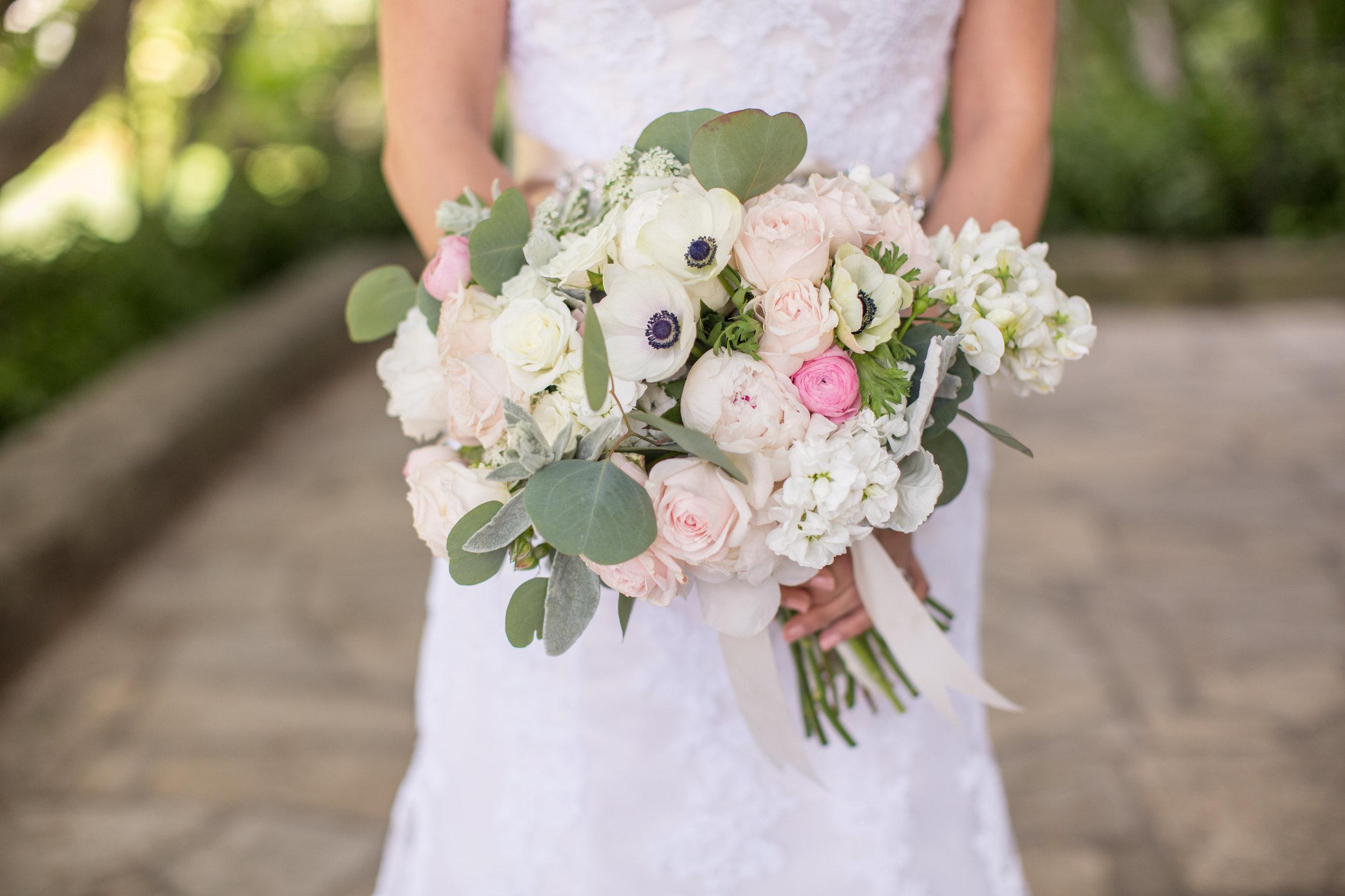 santa-barbara-elopement-wedding-planning-planner-coordinator-day-of-elope-courthouse-sunken-garden-clock-tower-mural-room (9).jpg