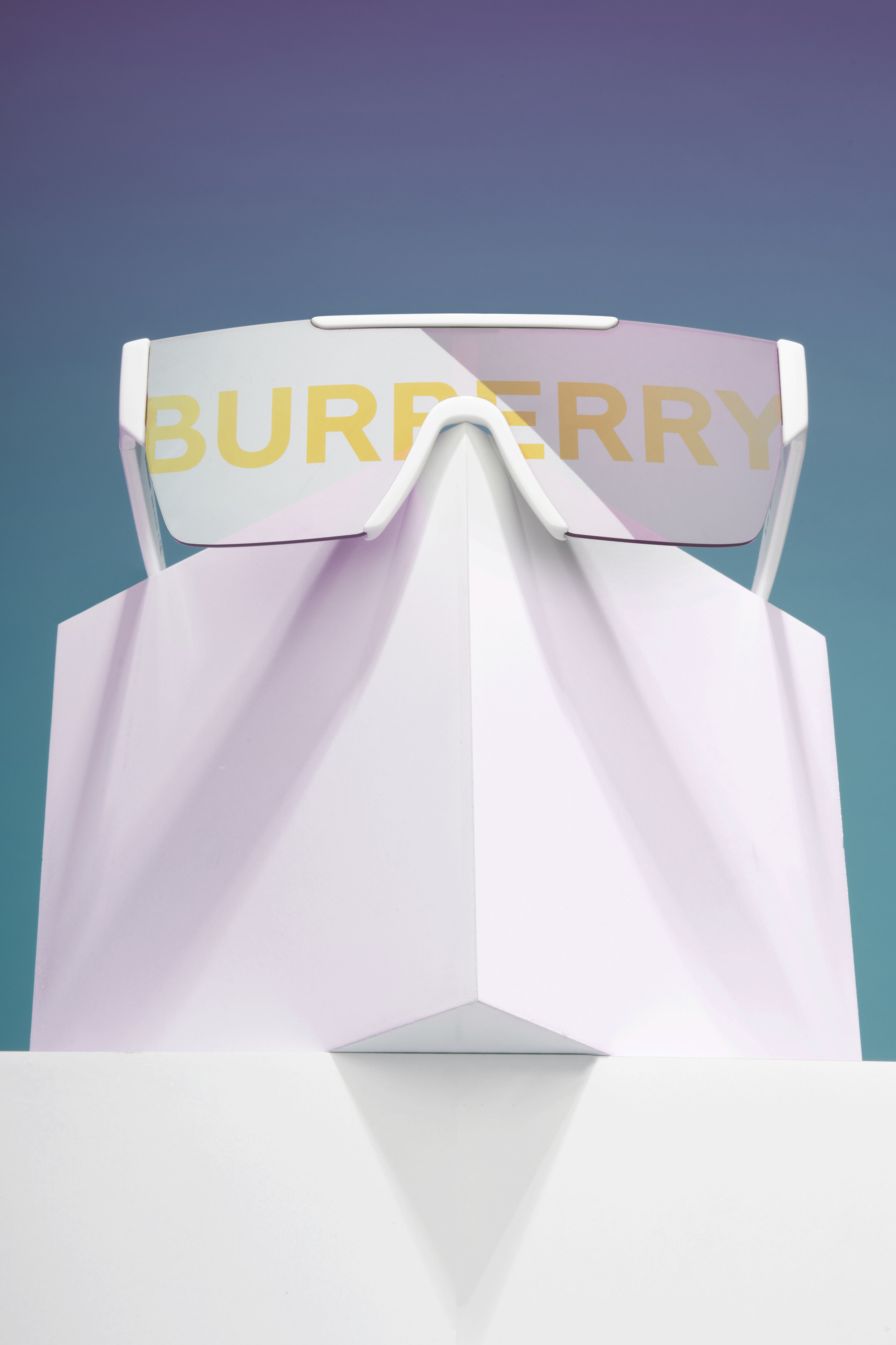 Burberry-Sunglass-1-web.jpg