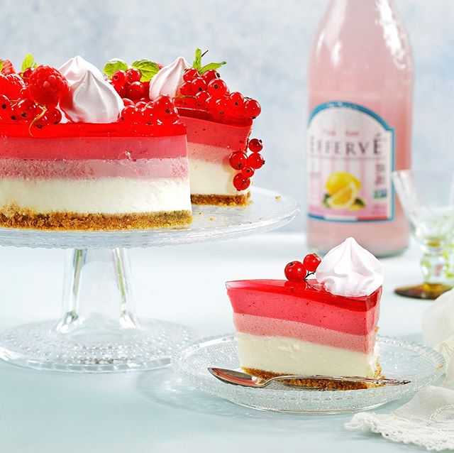 RASPBERRY MOUSE CHEESECAKE😋 RECIPE: Preheat oven to 325 - Fahrenheit/ 160 celcius. Mix cream cheese, sugar, eggs and vanilla with electric mixer on medium 4 minutes. Pour into prepared crust then place on baking sheet and bake 25 minutes. Cool to refrigerated temperature. To prepare mousse sprinkle gelatin over cold water then stir and let stand 1 minute. Microwave on high for 30 seconds or until gelatin is completely dissolved. Combine gelatin with preserves then chill 10 minutes. To make cream whip cream until soft peaks form. Add 2 tablespoon sugar and continue whipping until stiff peaks form. Measure out 1-1/2 cups whipped cream for mousse and set aside. Refrigerate remainder of cream for topping. Gently fold raspberry mixture into measured whipped cream. Spread raspberry mousse on top of chilled cheesecake mounding slightly in the center. Chill 1 hour before serving. To serve cut cheesecake into 6 servings and top each piece with a dollop of whipped cream.  Made by Anita Bakker and photographed by Svein Brimi for magazine Hjemmet. #ukebladethjemmet  #cakes#bakeglede#baking#foodphotography#cookmagazine#onthetable#norwegianfood#feedfeed#foodstyling#_food_repost#foodisfuel#foodlove#foodvsco#cakelovers#goodfood#hautecuisines#food52#kaker#bonappetit#onemyplate#matglede#foodnetwork#dessert#sweets#matglede#pastry#bakst#hjemmebakt#hembakat