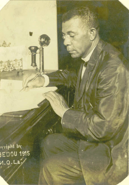 Booker_T_Washington_at_Desk_1915_Bedou_NOLA.jpg