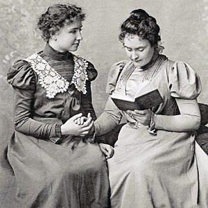Helenkellerannesullivan1898.jpg
