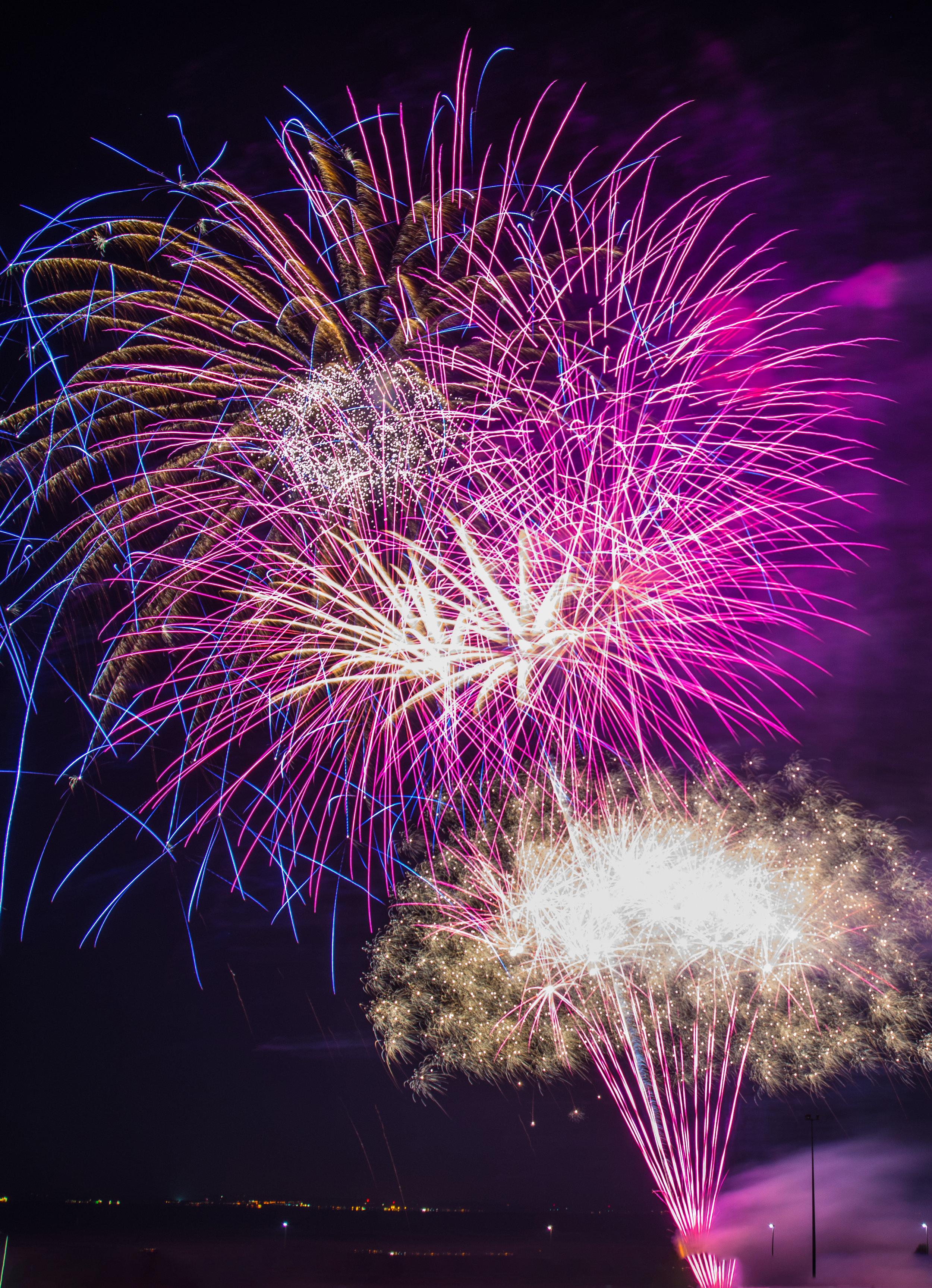 Fireworks 82 edited.jpg