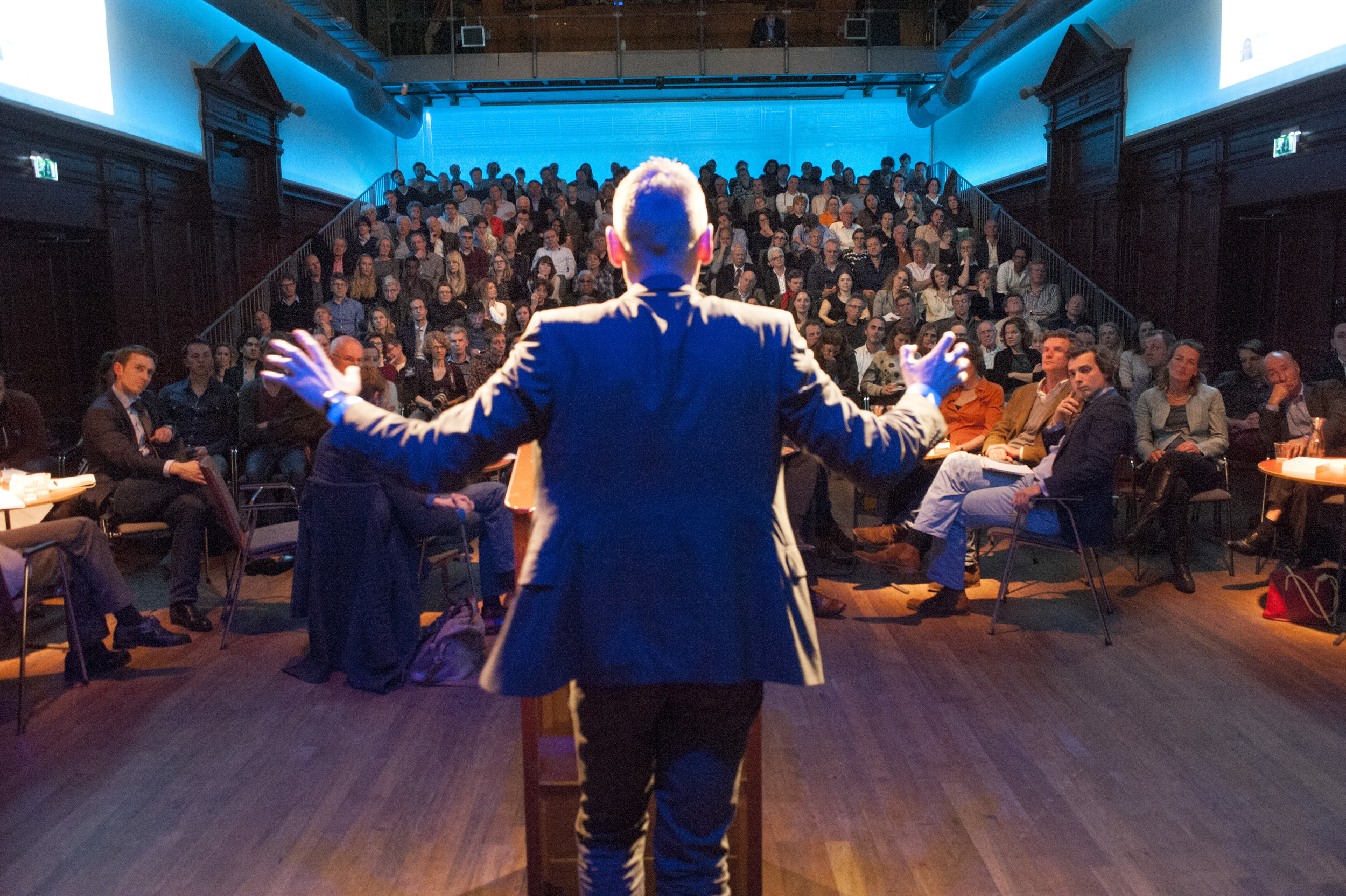 Keynote speaker Philippe Legrain in front of a full room at De Balie, Amsterdam ©Jan Boeve