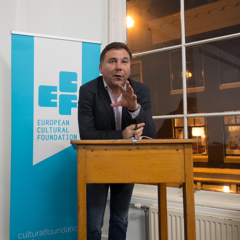 Ivan Krastev giving an introduction before the debate.Photo by Canan Marasligil.