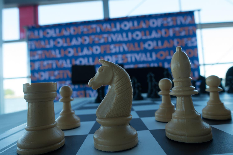 Chess during Urbo Kune.  Photo by Canan Marasligil