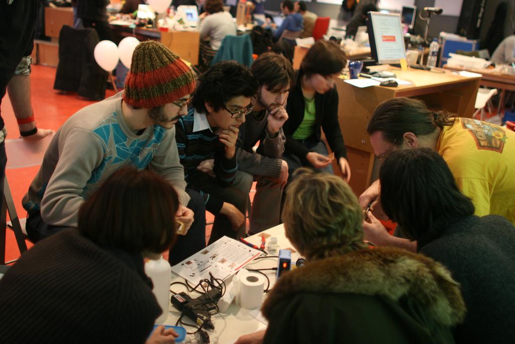 "Workshop ""Interactivos?'09: Garage Science"", February 2009.Medialab Prado  CC BY-SA 2.0 ."