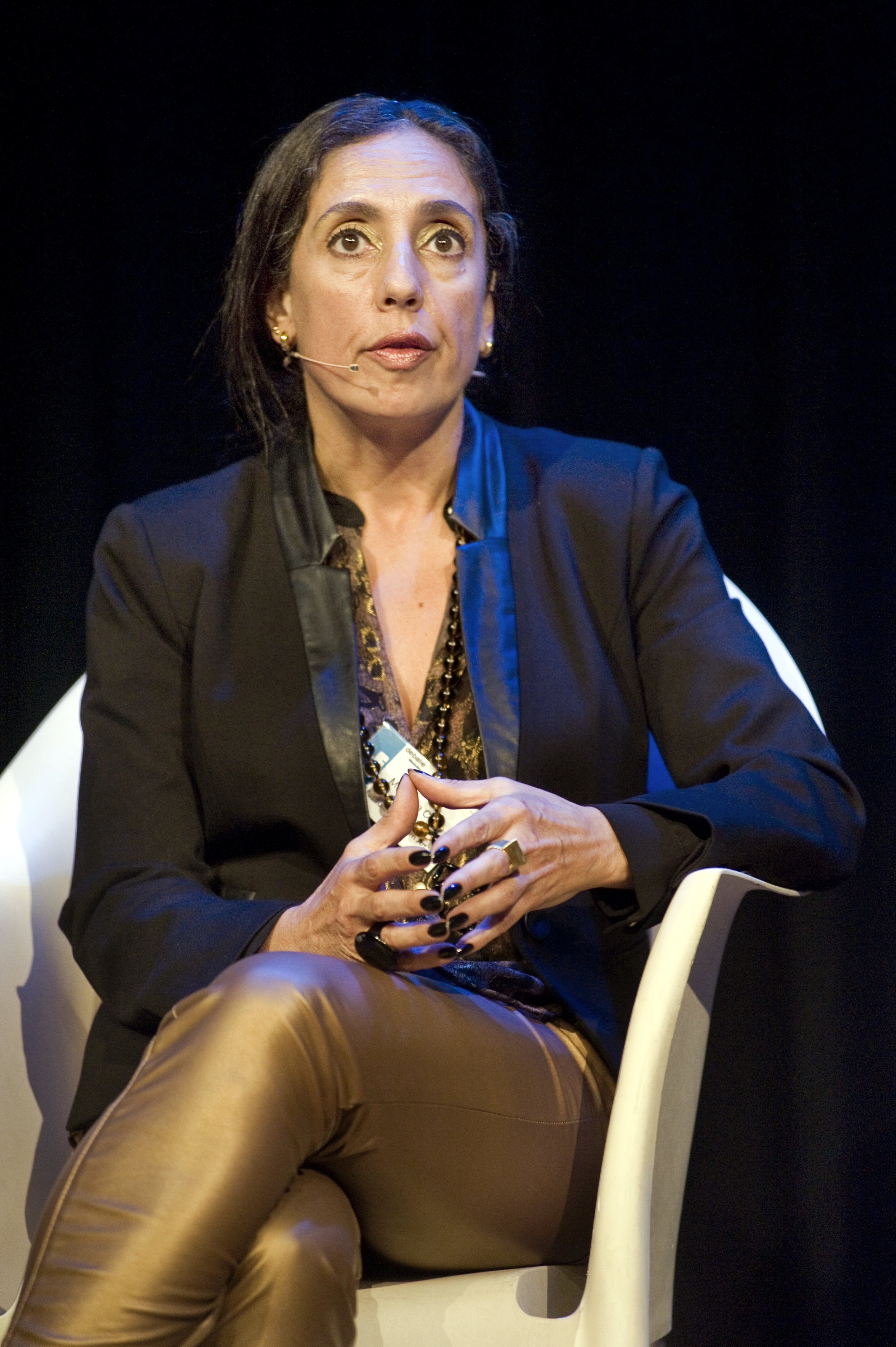 Magnólia Costa - is a philosopher, translator and art critic specialised in  17th Century Franco-Italian Art. She received her PhD in Philosophy from University of São Paulo. She is a lecturer on Contemporary Art History and Brazilian Culture at MAM, Museum of Modern Art of São Paulo, where she also acts as Head of Institutional Affairs.