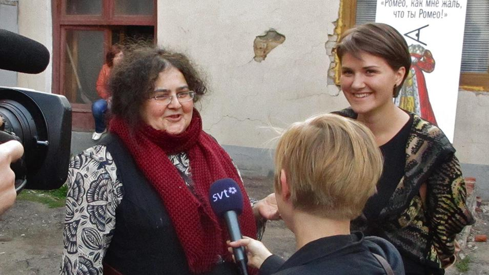 Yelena Gremina, founder of Teatr.doc,giving an interview for the premiere of  The Bolotnaya Case.  Photo by John Freedman / MT