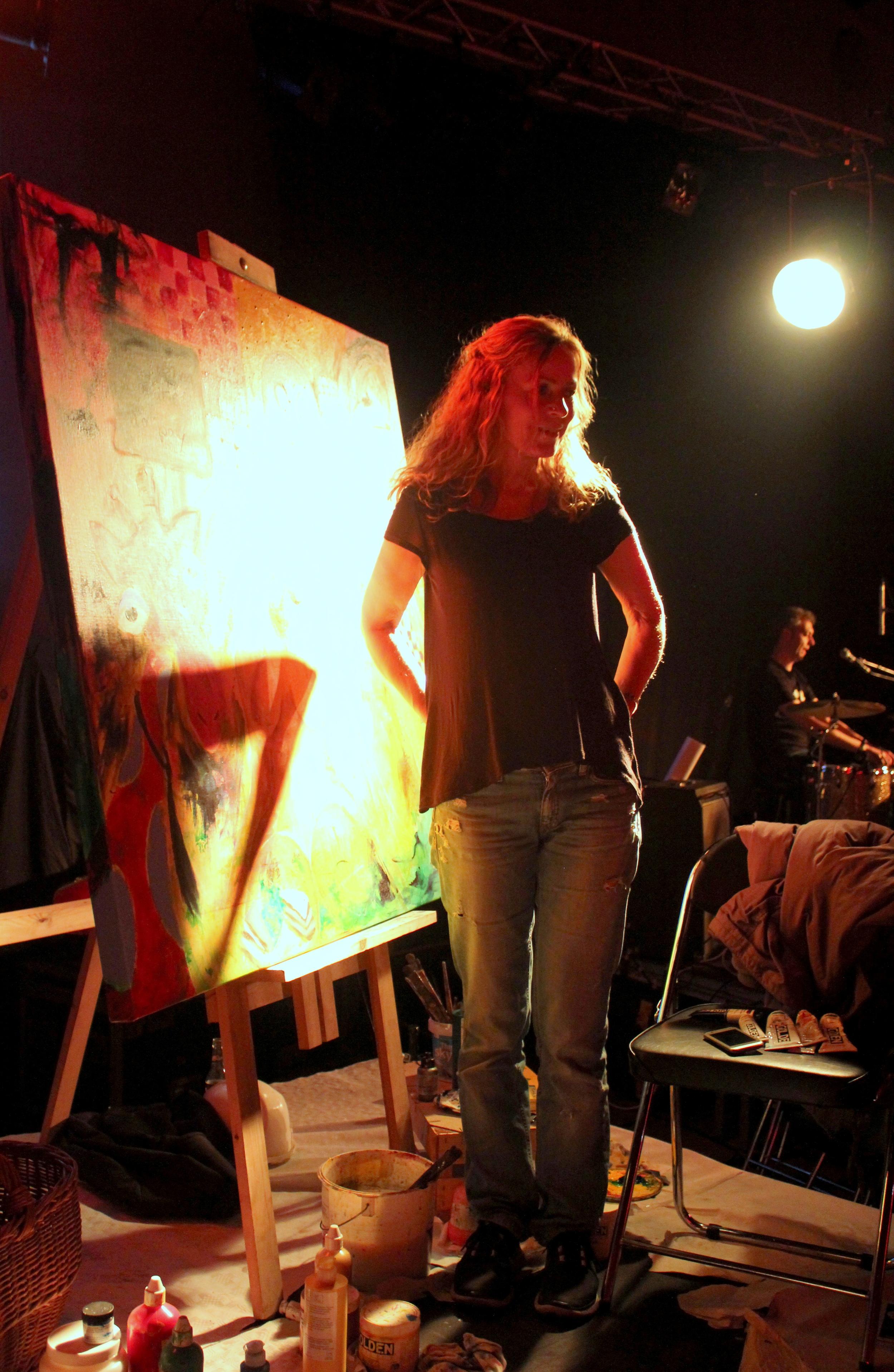 Jeannie Bolund på scenen til festen