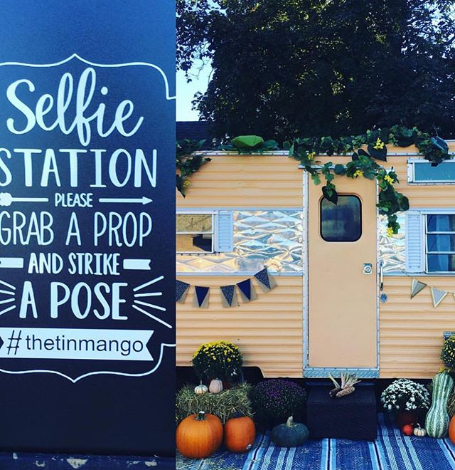 The Tin Mango is back for this year's Pumpkin Festival! Don't forget to take a selfie and tag #thetinmango and #vgalleryphoto for a chance to win a FREE V Gallery session! The Selfie Station is located at 330 S. Main Street in Morton! #illinoisphotographer #giveaway #selfie #mortonpumpkinfestival