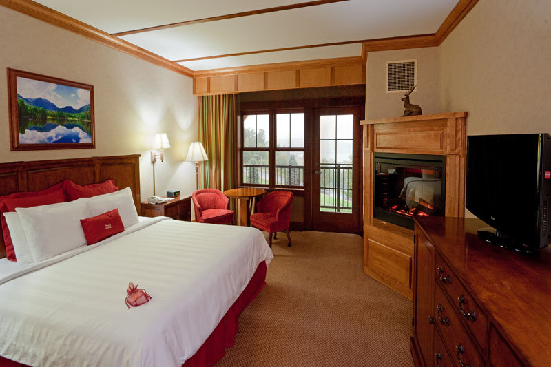 Adirondack_Wing_King_Bed_Lakeview_Room-BIG.jpg