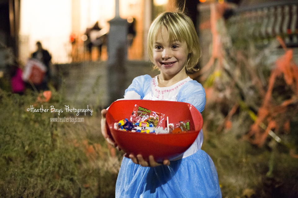 We stopped by Adelaide's besties home where Cinderella was handing out candy!