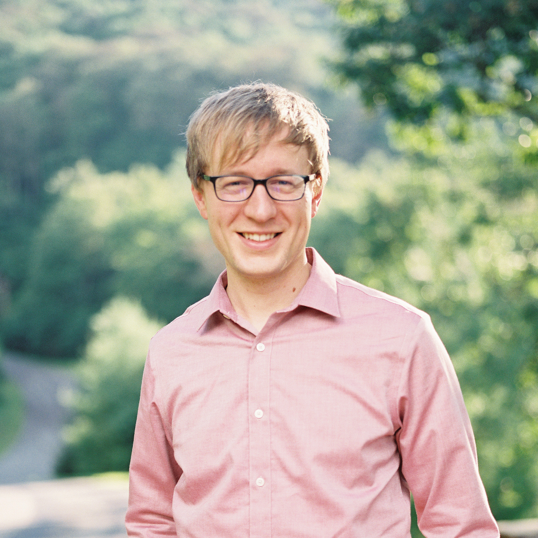 JESSE PERRY - Founder/Owner of Team Flower and Head of OperationsJesse grew up in large family in Ohio where his entrepreneurial skills really blossomed: he'd charge his brother or sister to take something to the mailbox, he'd sell old things to other siblings, and he once operated a donut shop from under his bed. He loves everything about small business, from running his own to supporting others in their entrepreneurial endeavors. He makes sure everything at Team Flower runs smoothly—marketing strategy, coding every technological aspect of the site, everything!—so flower pros have the opportunity to connect and grow.Get to know Jesse's industry experienceWhat's your favorite thing about working with flowers?My wife! 😉 But truthfully, I love the openness everyone in the industry displays and the true community I've seen by people helping one another out.What's an interesting fact about yourself?I'm the youngest of eight siblings (hence all the sibling commerce)!Favorite food: A really, really good burger.