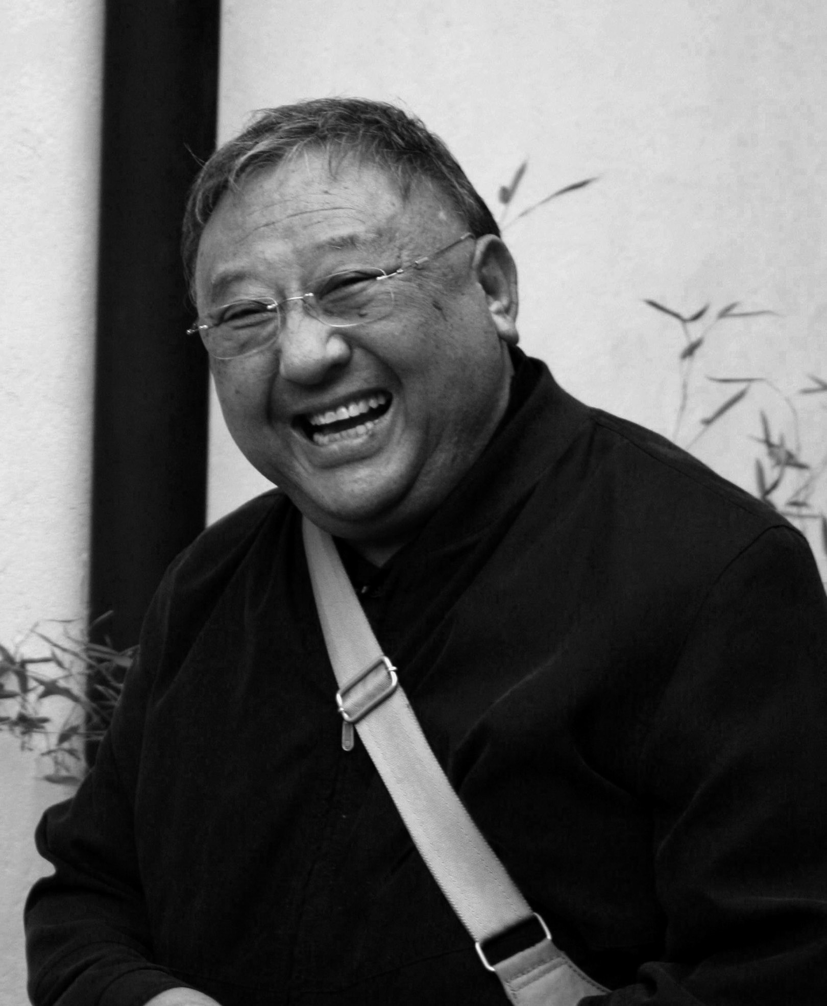 Gelek Rimpoche - 1939-2017   Articles & Interviews from past Crazy Wisdom Community Journal issues   click here