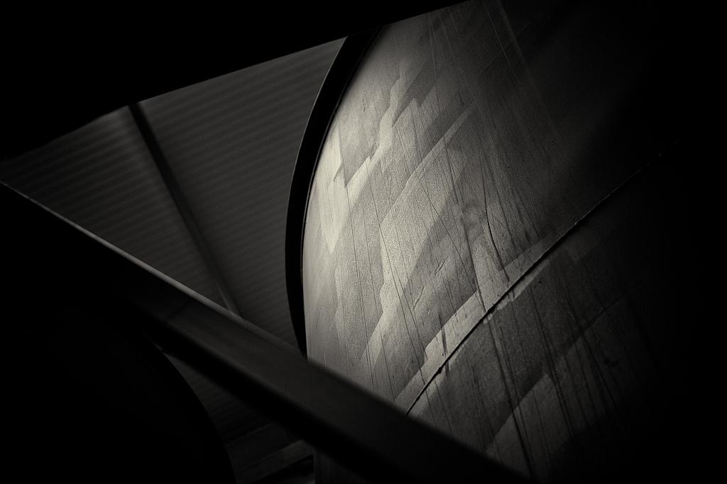 darkabstract.jpg