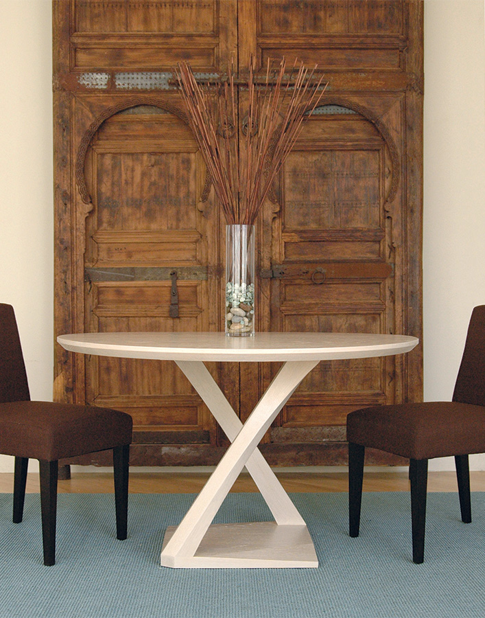 Z Round Dining Table