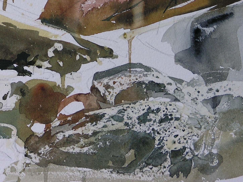masking water and wet rocks