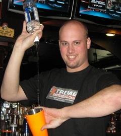 Paul-newnham-extreme-bartender.jpeg
