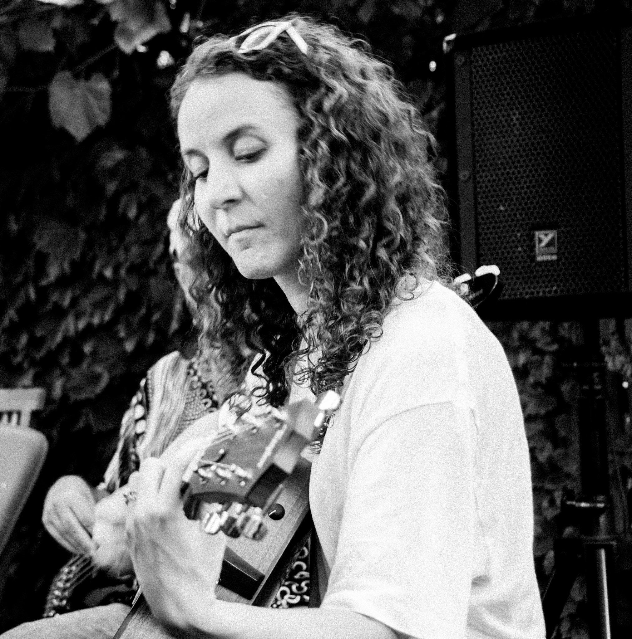 Lori Yates Guitar Pull, Aug, 2013