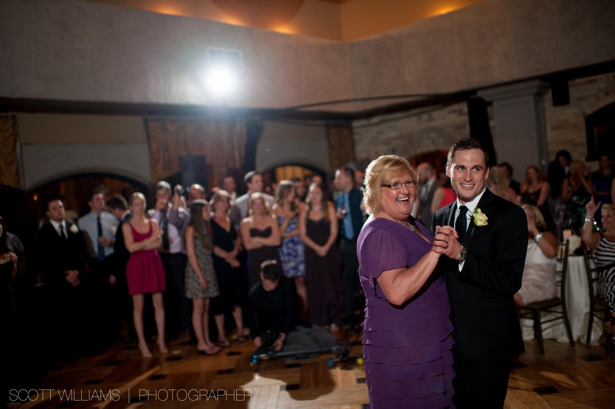 hacienda-sarria-kitchener-wedding-009.jpg