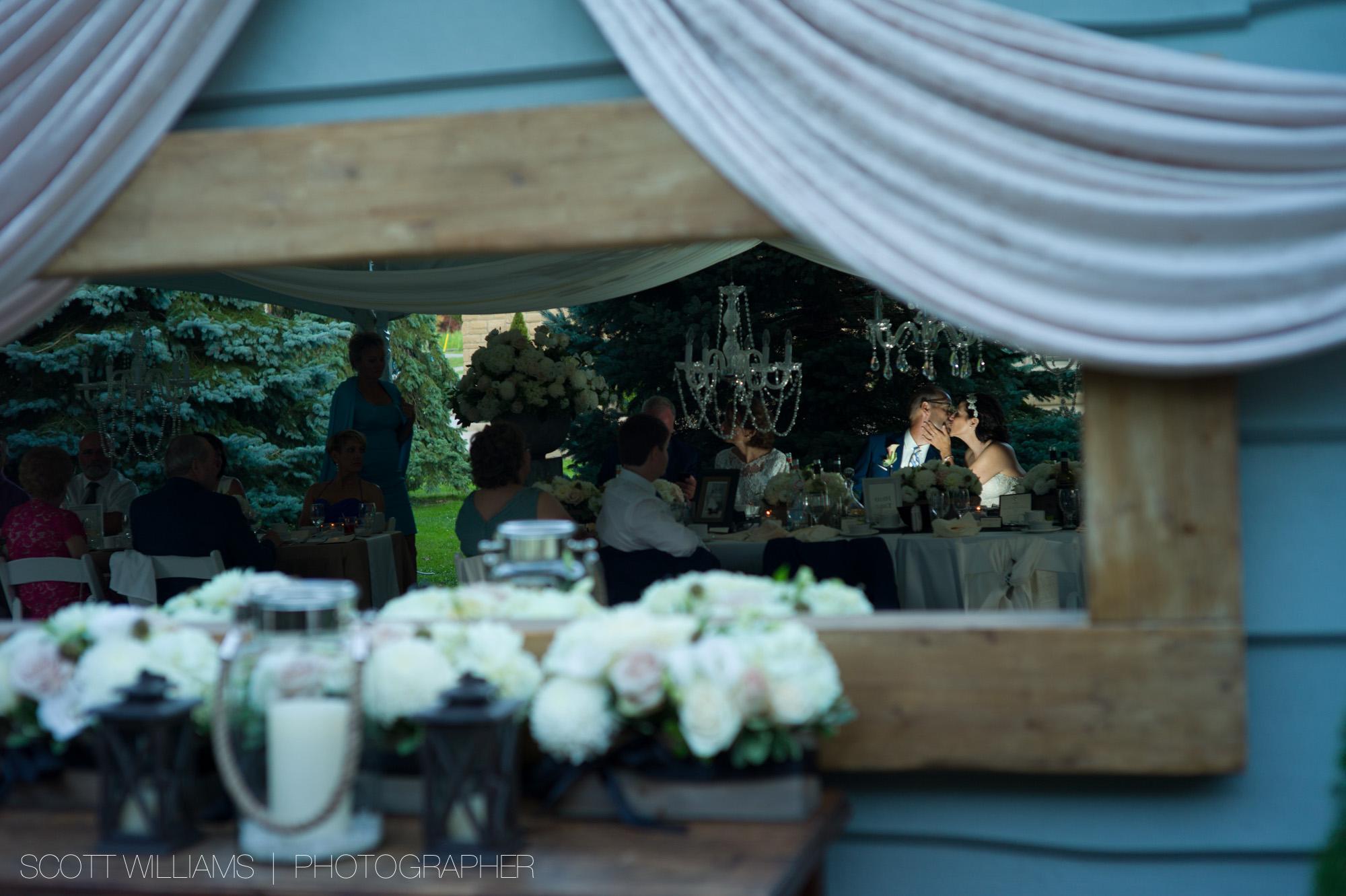 ontario-private-lakefront-cottage-wedding-007.jpg