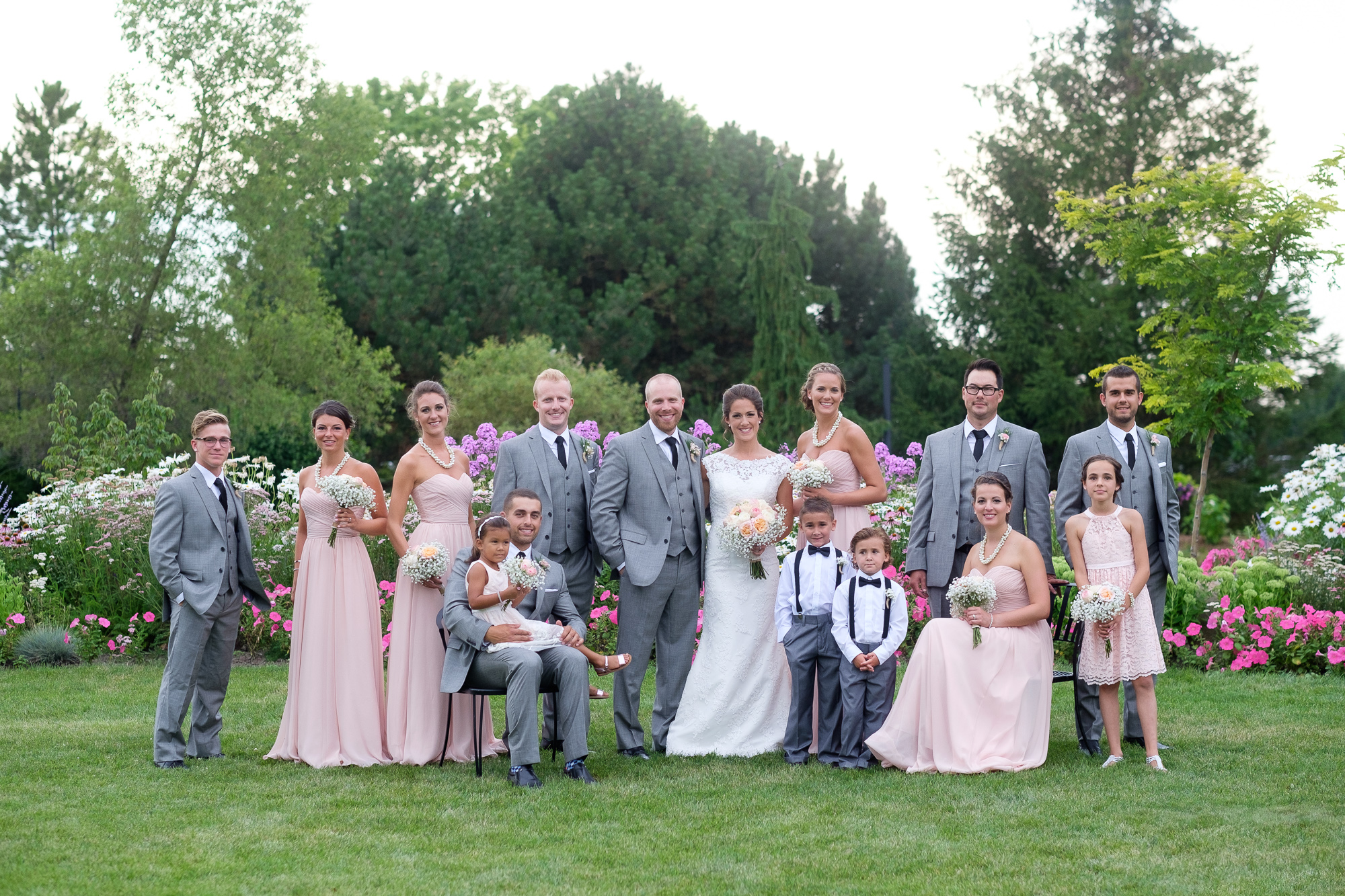 A portrait of the wedding party from Rebecca and Jeff's wedding.