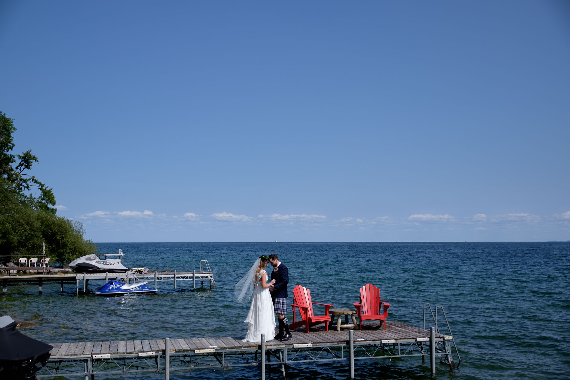 ONTARIO-BACKYARD-WEDDING-005.jpg
