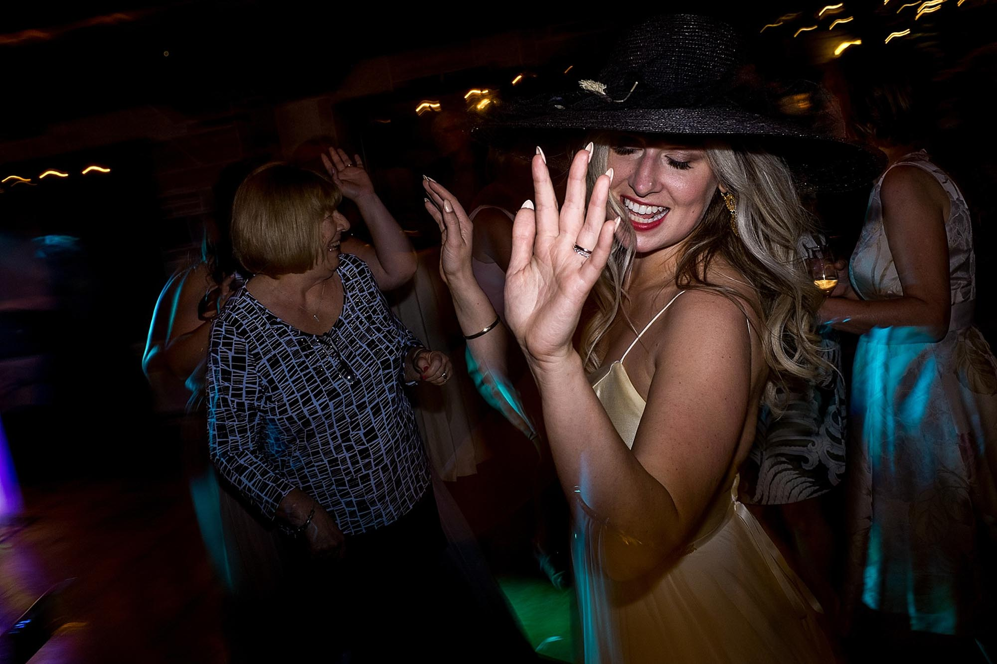 The bride dances during her reception at the Honsberger Estate in Niagara on the lake.
