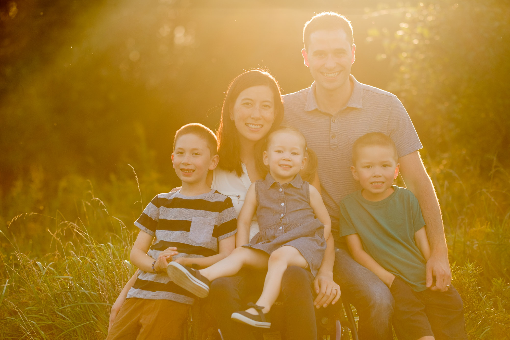 Photographs from a family photography session in Waterloo, Ontario by Scott Williams.